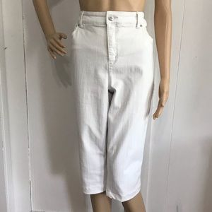 Chico's So Lifting Collection White Crop